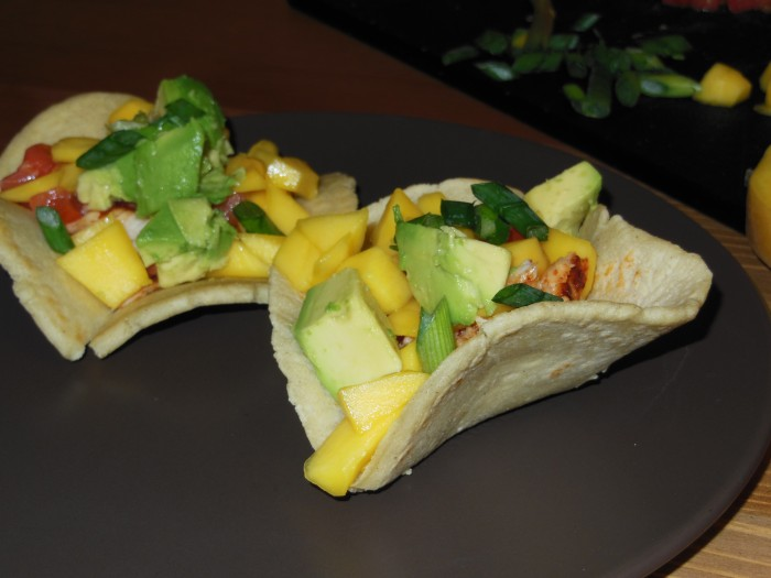 Readers, Digest: Mini mango fish taco bowls