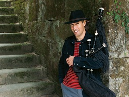 Bagpipe player to perform on campus