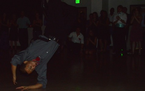 Chico State students boogie at PETE prom night