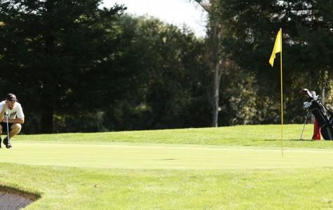 Men's golf team wins tournament