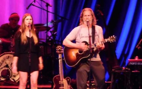 'The Dude' rocks Laxson Auditorium