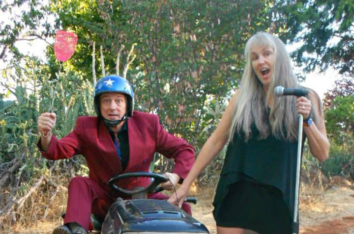 Married comedy duo Aaron Standish and Liz Merry travel Northern California performing their show and will be at the Blue Room Theatre on Friday. Photo courtesy of Merry Standish Comedy.