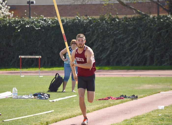 Sophomore decathlete Lane Andrews competes in the pole vault on March 14 during the Wildcat Invitational. Photo credit: Caio Calado
