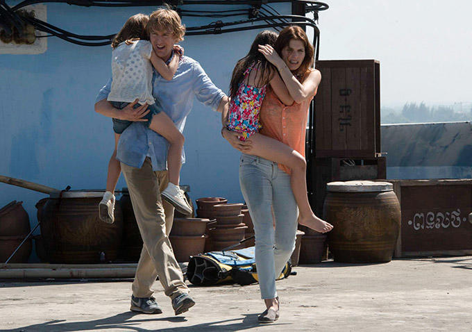 Owen Wilson and Lake Bell try desperately to bring their family to safety from a foreign rebellion in No Escape. Photo courtesy of IMDB.