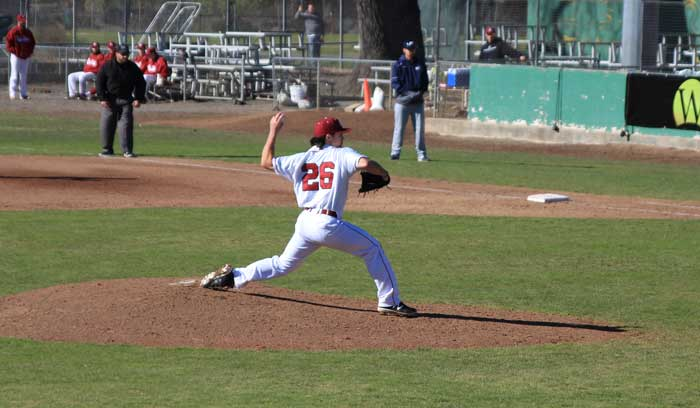 Senior+pitcher+A.J.+Epstein+winds+up+to+pitch+against+Menlo+College+on+Jan.+31.+Photo+credit%3A+Cam+Lesslie