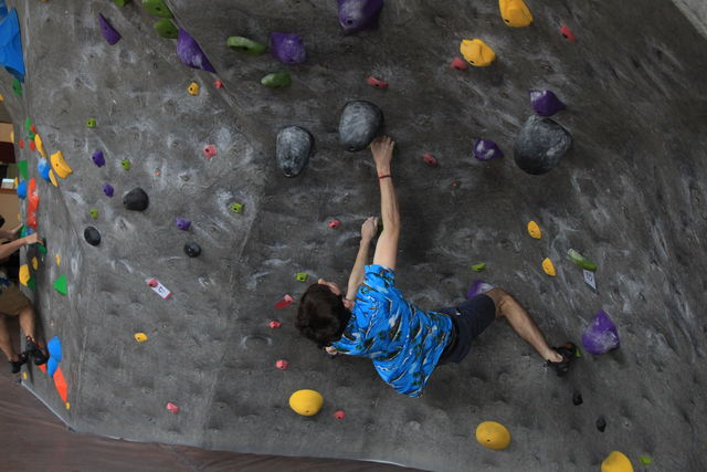 Rock climbing team grows with open arms – The Orion