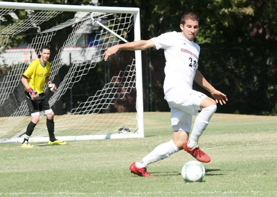 Chico+State+men%27s+soccer+shows+off+their+skills+dribbling+the+ball.+Photo+Credit+the+Orion