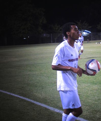 Men's soccer team holds out in double overtime