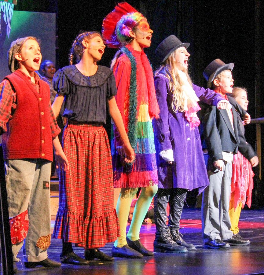 The cast of Dr. Doolittle Jr. sing together to close out an act. Photo credit: Jae Siqueiros