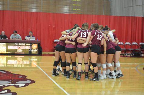 Women's volleyball huddle_Web.jpg