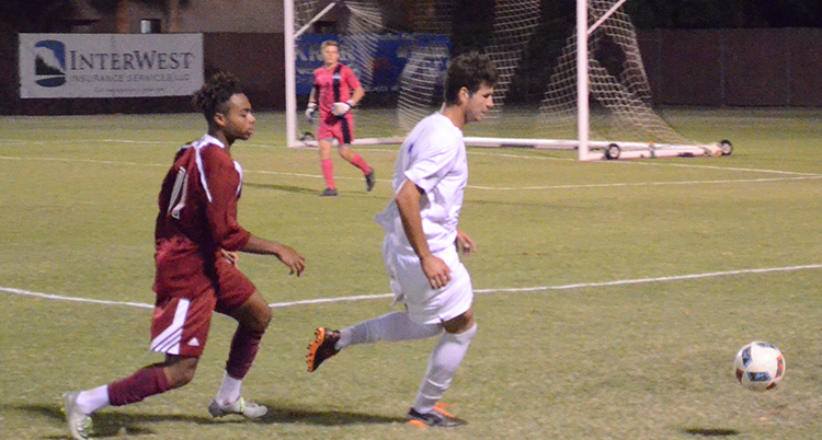 Early scoring lifts men's soccer to a win