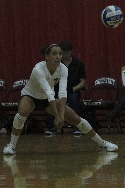 Senior+defensive+Shannon+Cotton+attempts+a+dig+during+the+game+against+Sonoma+State.+Photo+credit%3A+Jovanna+Garcia
