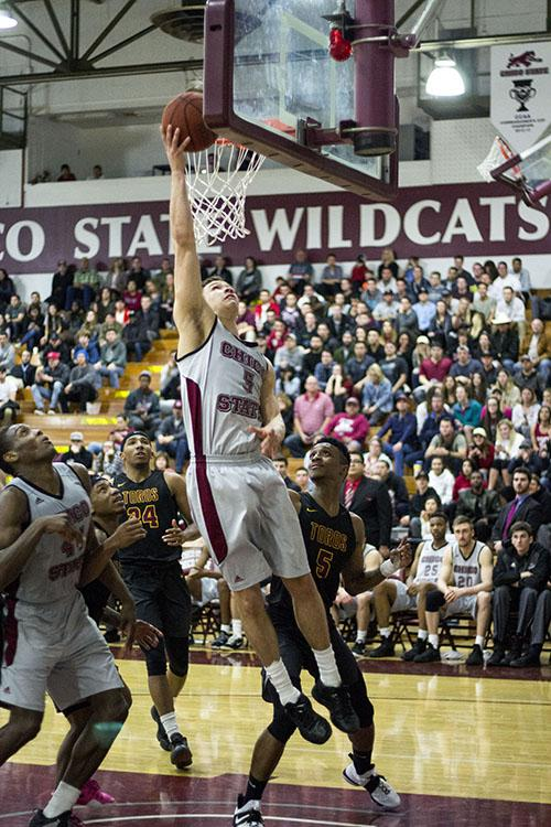 Wildcats win first round of NCAA's