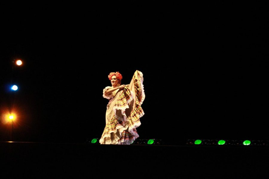 Baile folklorico performance at Multicultural night. Photo credit: Jessica Carvajal Castillo