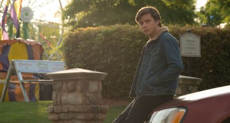 Nick Robinson plays Simon Spier, a closeted teen who searches for the mysterious classmate under the alias