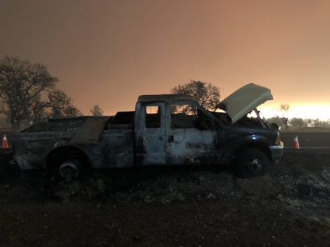 Vehicles were left on the side of the Skyway as the Camp Fire burned through Paradise and forced evacuations into Chico. Photo credit: Natalie Hanson