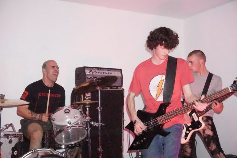 Bands D-FY and ICED bring hardcore punk to Chico