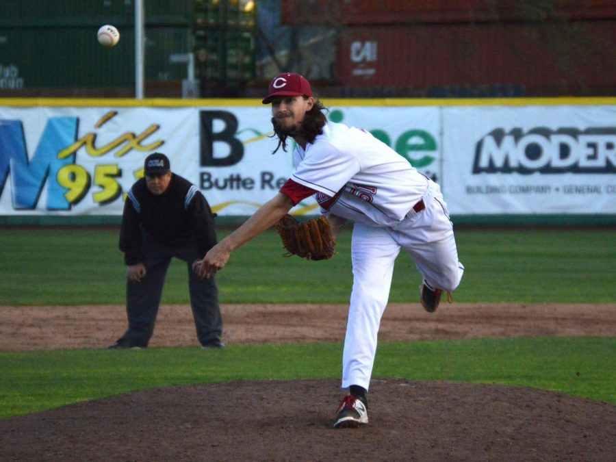 Grant+Larson+delivers+a+powerful+sidearm+pitch+to+the+San+Marcos+batter+during+Friday%27s+game.+Photo+credit%3A+Olyvia+Simpson