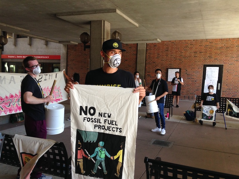 Sunrise Movement protesters gather in the Meriam Library breezeway Thursday. Photo credit: Julian Mendoza