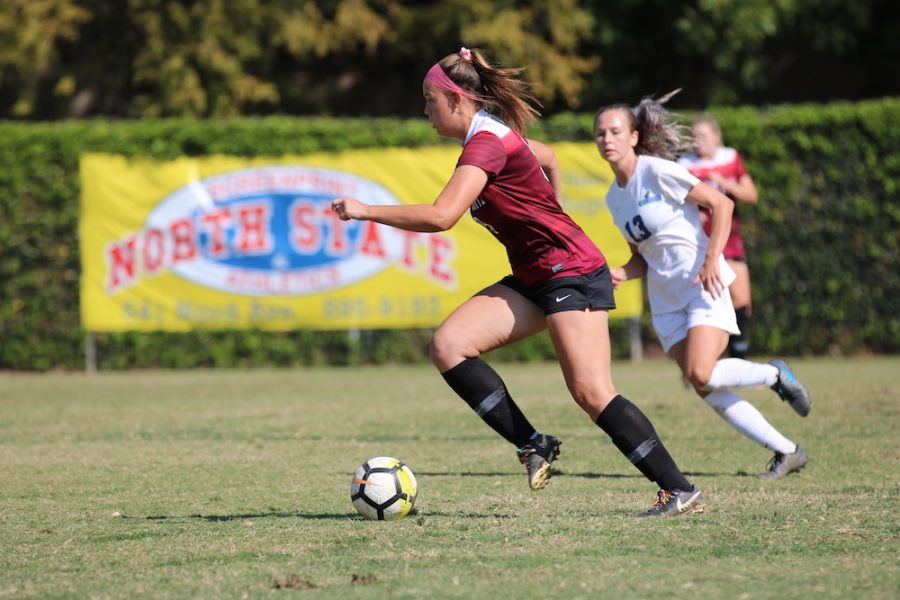Chico+State+taking+advantage+of+their+possession+of+the+ball.+Photo+credit%3A+Hana+Beaty