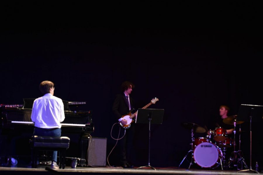 Jaik Hakkarinen performs his original music. Photo credit: Kati Morris