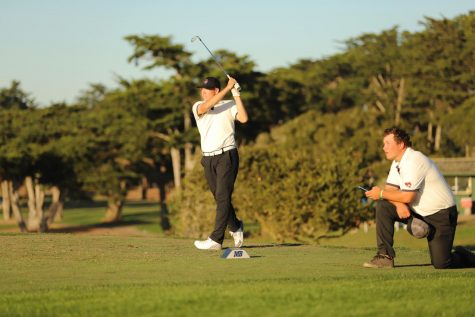 Dakota Ochoa teeing off during a tournament last season. Photo courtesy of Chico State Athletics