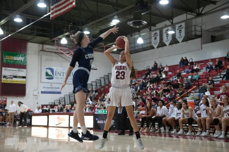 %2323+Haley+Ison+goes+up+for+a+shot+in+a+basketball+game+at+Chico+State+%28Ryan+McCasland%2FChico+State+Sports+Information%29