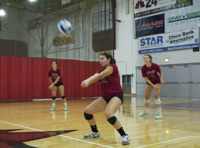 Volleyball splits games at tournament