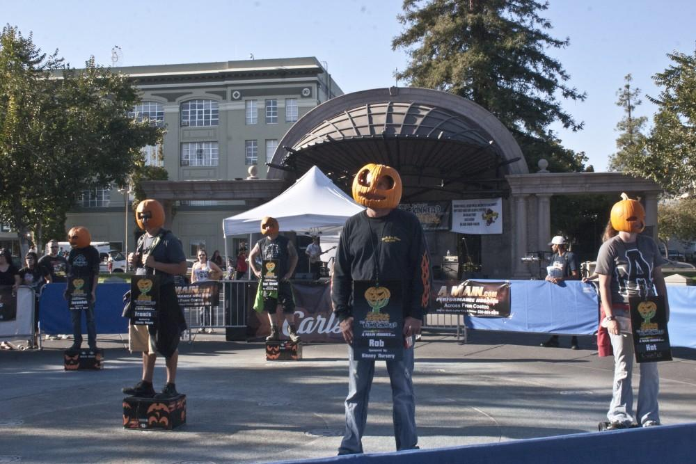 %22Pumpkinheads%22+standing+on+boxes+tried+to+outlast+each+other+last+Saturday+in+the+City+Plaza.+Photo+credit%3A+Christine+Lee.