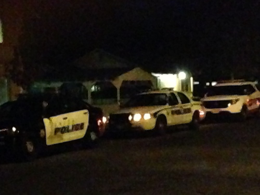 Photo Credit: Christine Lee  Chico Police respond to a shooting on North Cedar Street Nov. 13.Photo credit: Christine Lee.