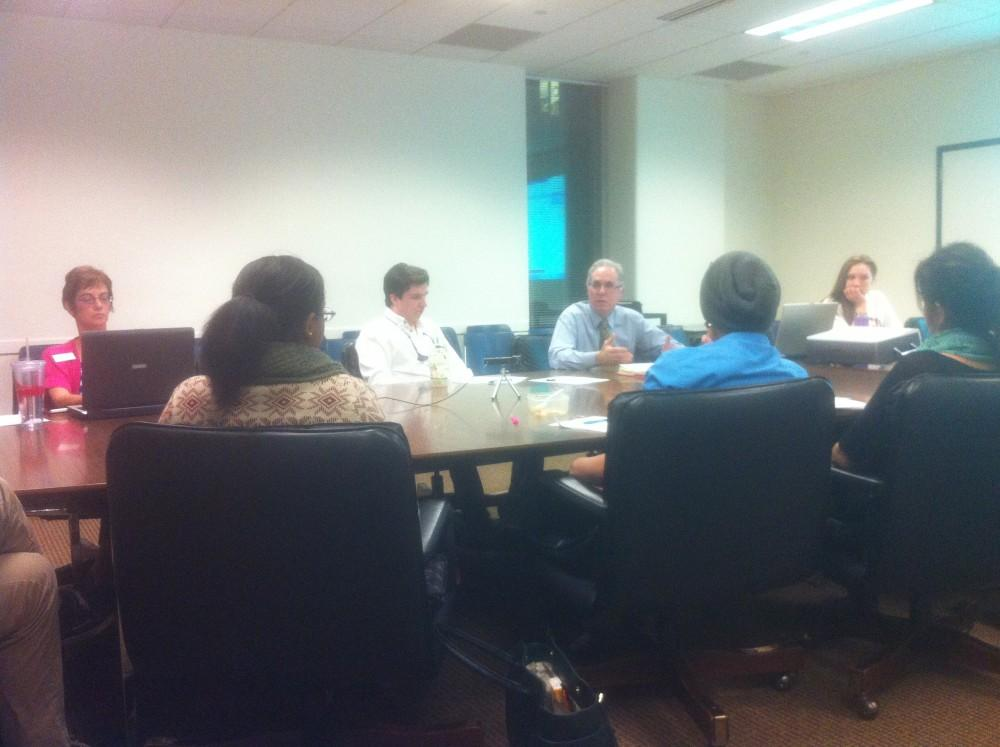 AS board members finalize a resolution to the CSSAs proposed fee hike.Photo credit: Mozes Zarate