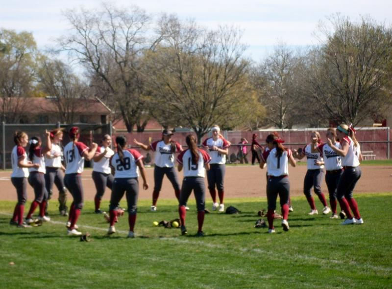 The+Chico+State+softball+team+gets+pumped+up+before+Friday%27s+doubleheader+against+Cal+State+Dominguez+Hills.+Photo+credit%3A+Angelo+Boscacci