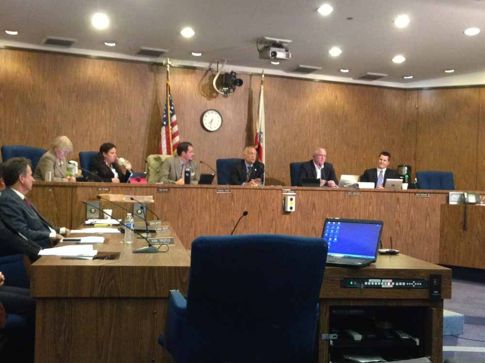 The City Council meets to consider an ordinance that would ban the use of plastic bags in Chico. Photo credit: Bill Hall