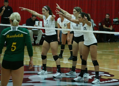 Women's volleyball team wins in four sets