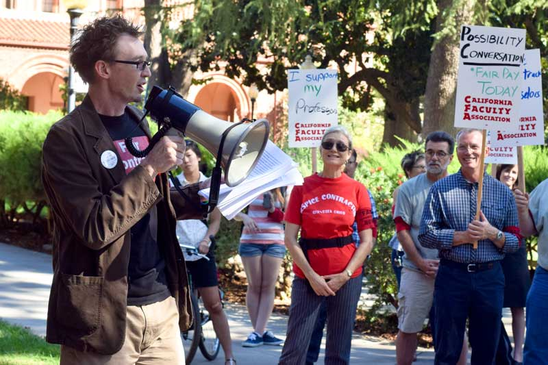 California Faculty Association President Charley Turner delivered more than 150 singed letters from faculty and supporters urging Chico State administrators for support in union negotiations. Photo credit: Ernesto Rivera