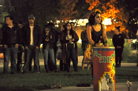 Students gather to celebrate Dia de los Muertos
