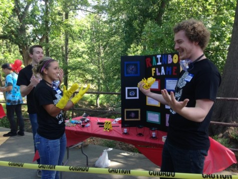 Project management students host and compete in science fair