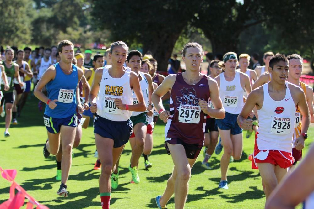 Men S Cross Country Runs Past Division I Teams At Stanford