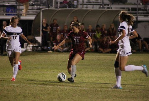 Women's soccer beats Humboldt State 3-2