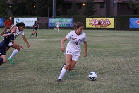 Carlie Reader, first-year forward, has two goals and four assists for the season so far. Photo credit: Allisun Coote