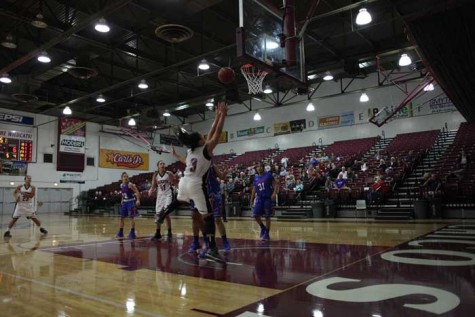 Laying up victories: Women's basketball team starts season undefeated