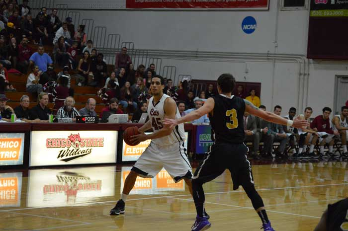 The+Chico+State+men%E2%80%99s+basketball+team+won+68-55+against+Simpson+University+at+the+Carl%E2%80%99s+Jr.+Mac+Martin+Invitational+on+Nov.+28.+Photo+credit%3A+Caio+Calado