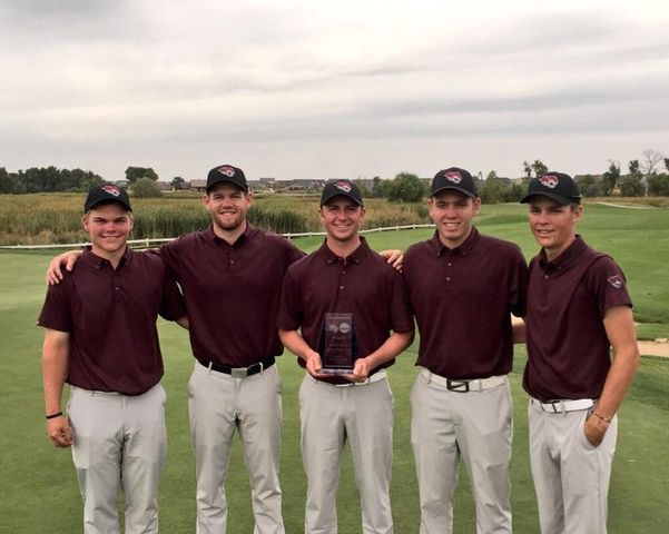 The+Men%27s+golf+team+of+2015+celebrates+their+win+at+the+San+Marcos+Invitational.+Of+their+starting+five%2C+only+Junior+Colby+Dean+%28Second+from+the+left%29+remains.+Photo+Courtesy+of+TL+Brown.
