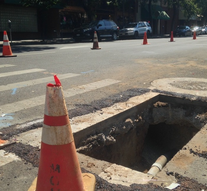 MGM Construction works to improve AT&T fiber optics in downtown Chico Photo credit: George Johnston