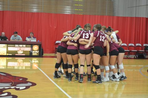Women's volleyball huddle_Web.jpg