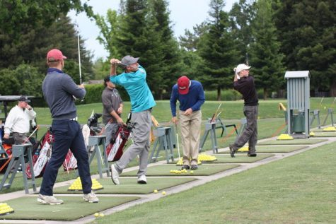 The Chico State men's golf team practices for an upcoming invitational at the Butte Creek Country Club. Photo credit: Allisun Coote