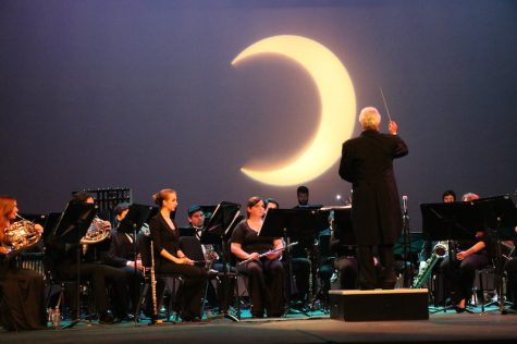 Music for the Moon: Symphonic Winds blew crowd away