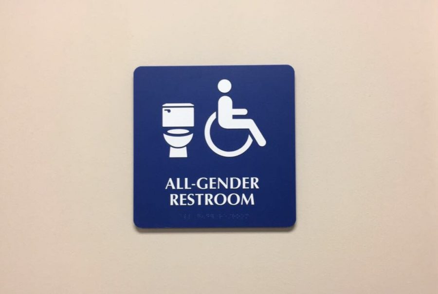 All-gender+restroom+Photo+credit%3A+Alejandra+Fraga