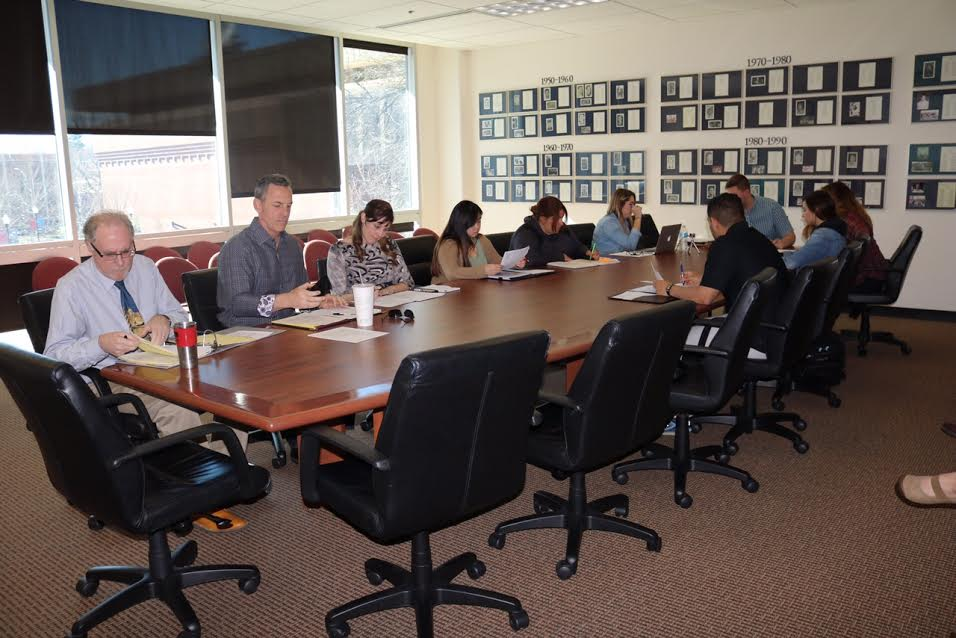 Students and Faculty getting ready for the meeting in BMU 205. Photo credit: Jacqueline Morales