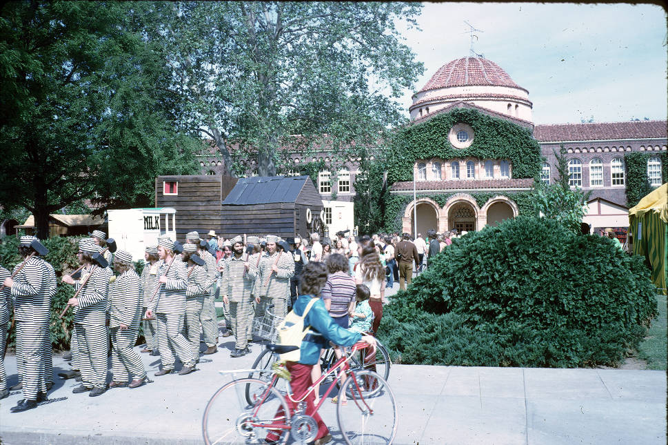 Chico+State+students+and+community+members+celebrate+Pioneer+Week+in+front+of+Kendall+Hall+in+1974.+Image+courtesy+of+University+Archives.